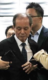 """가습기 살균제 SK케미칼 전 대표 구속…""""증거인멸 우려"""""""