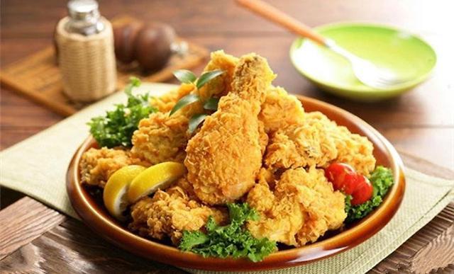 今年鸡肉价格大幅下降 韩民众表示:炸鸡依旧吃不起