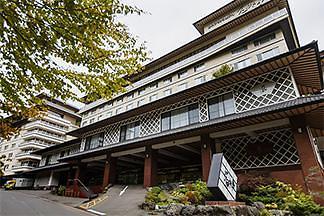 日 훗카이도 호텔에서 화재...한국인 13명 경상
