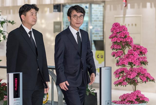 [포토] 고 김홍일 전의원 빈소 찾은 유시민-노건호