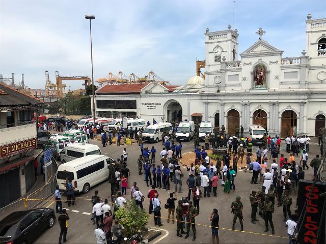 스리랑카 교회·호텔서 폭발, 부활절 노린 테러?…최소 20명 사망 160명 부상