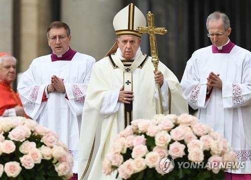 """프란치스코 교황, 스리랑카 테러 강력규탄…""""끔직한 사건, 잔인한 폭력"""""""