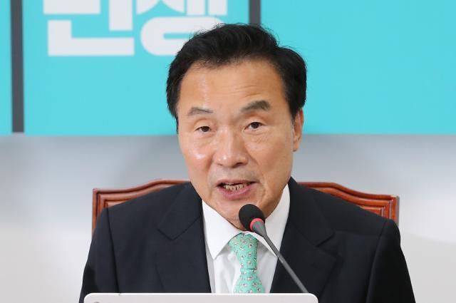 """손학규 """"대표직 연연하지 않아…중도통합정치 위한 것"""""""
