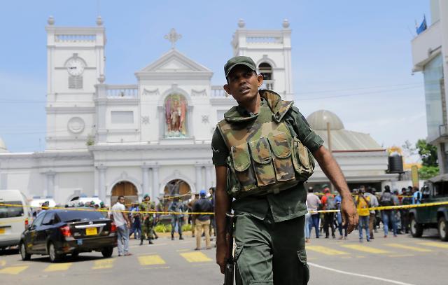 스리랑카 정부, 비상사태 선포…사망자 최소 290명으로