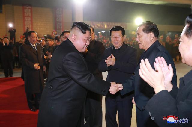 简讯:朝媒称金正恩今晨乘专列启程赴俄罗斯