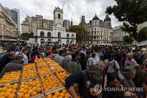 포퓰리즘 회귀 공포에 아르헨티나 자산 흔들
