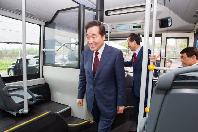 """이 총리, 수소차 타고 전북까지 180㎞ 이동 """"수소경제 활성화"""""""