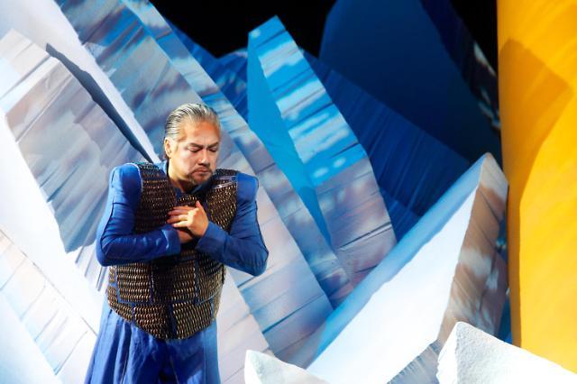 국립오페라단 '바그너 갈라'...작품 위해 오케스트라, 무대 위로