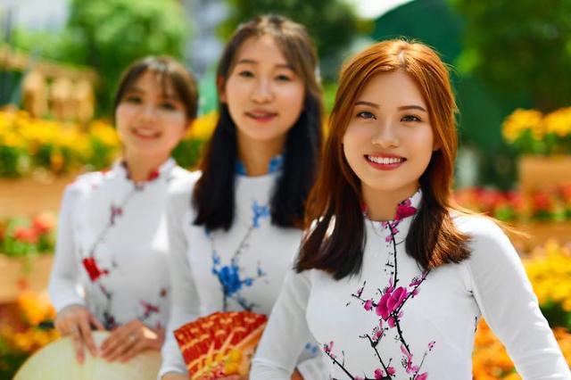 권력서열 1~3위가 모두 같은 성씨?...응우옌의 나라, 베트남