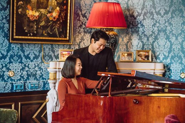 커피 콘서트, '신박듀오'…유럽무대를 사로잡은 완벽한 호흡의 포핸즈 피아노 무대