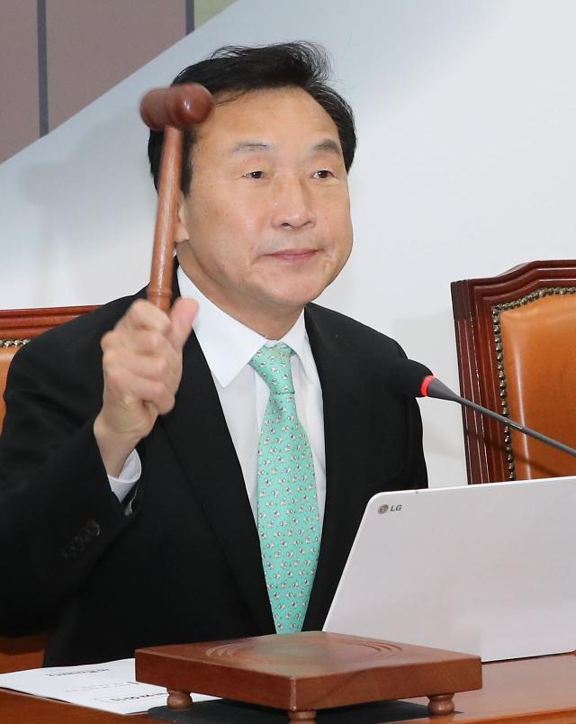 바른미래당, 지도부 사퇴·안철수·유승민 체제 요구한 당직자 2명 해임