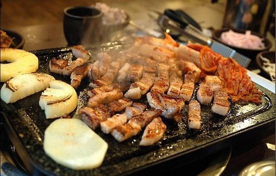 韩国猪五花肉涨价近两成 政府:暂时与猪瘟疫情无关