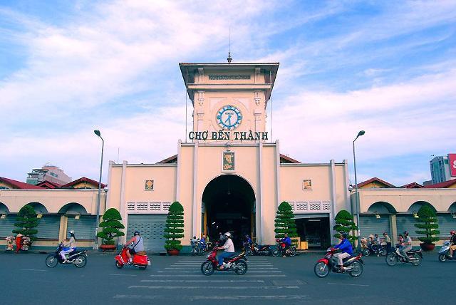 [베트남 인사이드]호치민 대표관광지 벤탄시장의 100년 역사