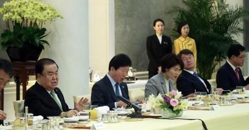 韩国议长:邀请中国国家主席习近平早日访韩