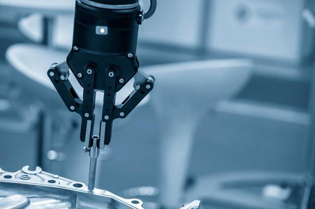 KT partners with Hyundai Heavy to develop 5G-connected robots and smart factory platforms
