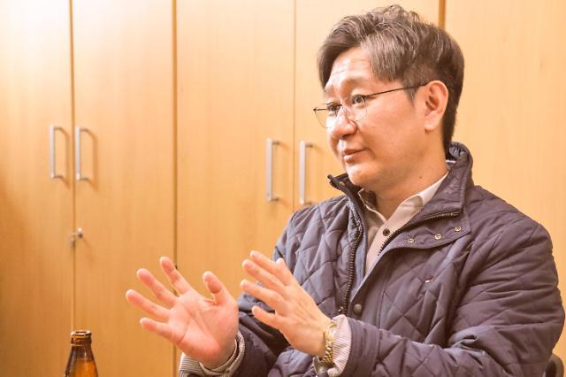 [김호이의 사람들] 매주 시체를 보러 가는 법의학자 유성호 교수의 삶과 죽음의 이야기