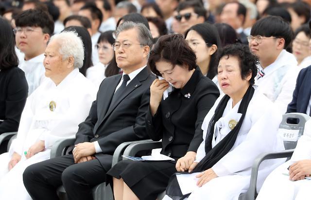 """김정숙 여사 저격한 민경욱에…탁현민 """"참 못됐다"""""""