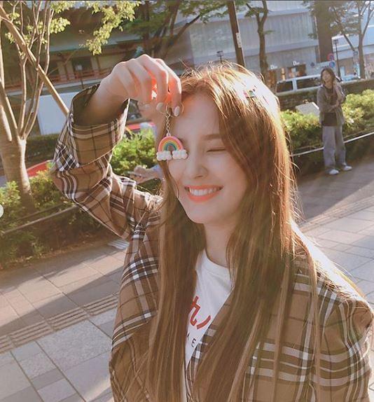 [슬라이드 #SNS★]성년의날 아이돌…모모랜드 낸시 여자아이들 슈화 CLC 은빈 프로미스나인 채영·나경·서연