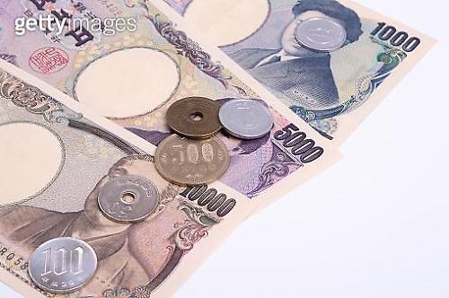 [아시아 환율]달러·유로 대비 엔화 하락