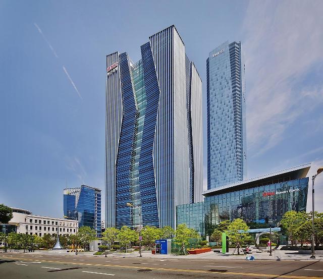 김지완 BNK금융 회장, 싱가포르·홍콩 지역 해외 IR 실시