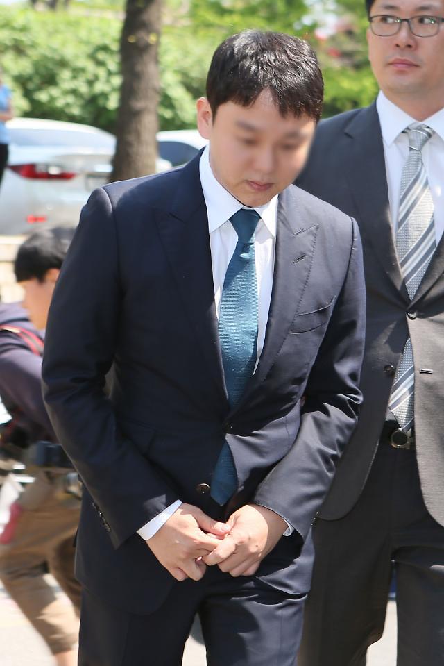 """박한별 남편 유인석 """"성접대 전 승리집서 성매매""""…누리꾼 """"기미상궁도 아니고"""""""