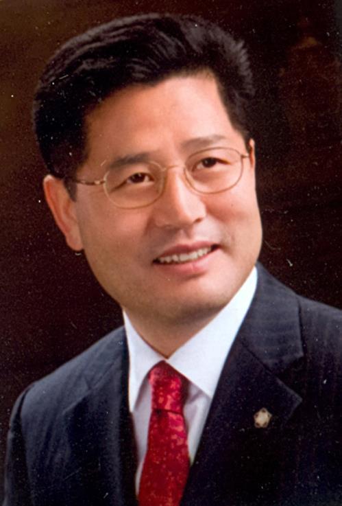 """조진래 전 의원, 숨진 채 발견…경찰 """"극단적 선택 추정‧유서 無""""(종합)"""