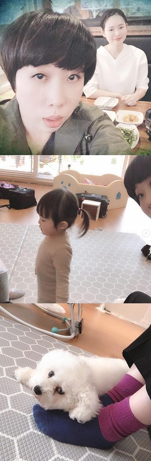 """[#SNS★] 권진영, 메이비와 다정샷 """"이집은 개까지 좋아"""""""