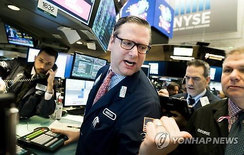 [全球股市]全球经济萧条担忧导致长短期利率逆转 纽约股市下跌道琼斯下跌0.79%