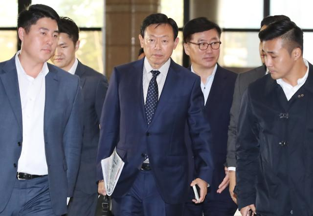 신동빈, 롯데 유통계열사 CEO 이끌고 일본 출장길