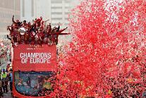 [PHOTO] 「UCL優勝」リバプール、錦を飾るカーパレード