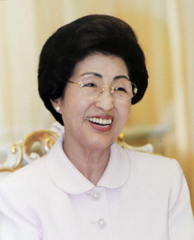 韩国前总统金大中遗孀李姬镐逝世