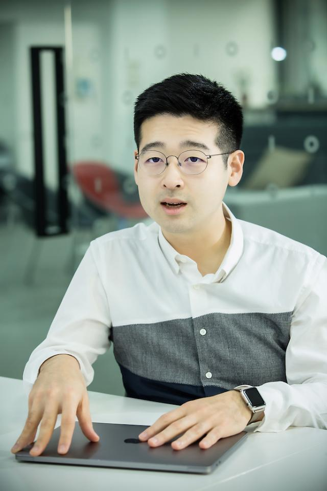 """[아주초대석] 김동호 한국신용데이터 대표 """"사장님 위한 서비스 집중…매출관리 앱 1위 올랐죠"""""""