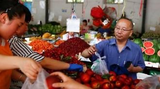 中 소비자물가 15개월래 최고... 돼지열병·무역전쟁 악재로 '인플레' 경고등