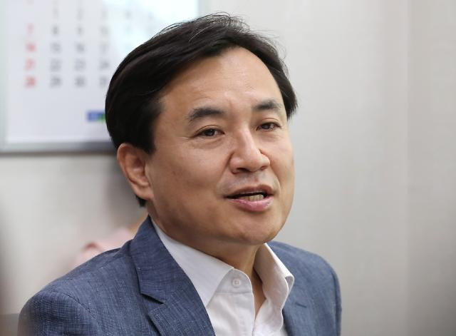 """김진태 """"유승민 진정한 보수우파 아니다...통합 걸림돌"""""""