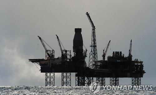 [국제유가] 美원유재고 예상 외 증가...국제유가 하락 WTI 4.22%↓