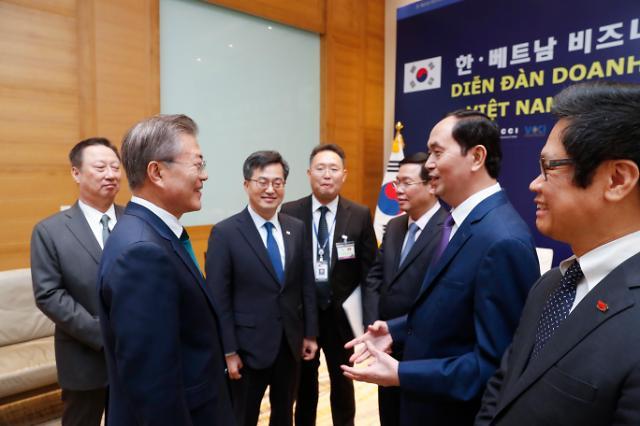 홍남기 부총리, 21일 브엉 띠잉 후에 베트남 경제부총리 만난다