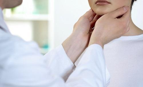 갑상선암 진료인원 40대부터 뚜렷하게 증가, 여성 환자↑