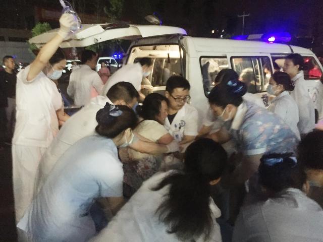 [포토] 중국 스촨성 지진으로 사상자 130여명