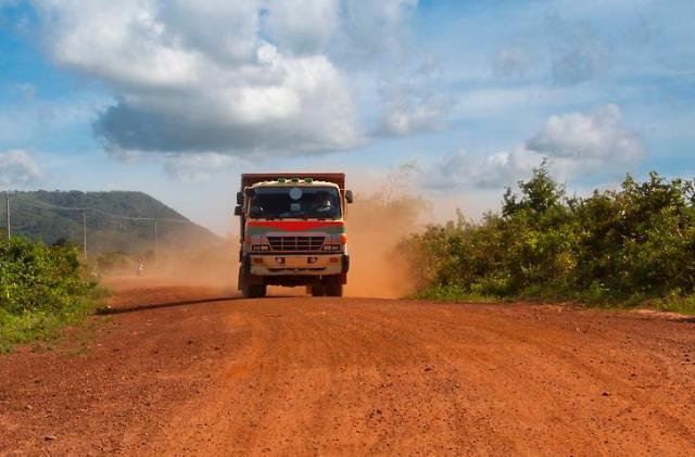 [NNA] 캄보디아 주요 2개 항에서 트럭 검사...교통사고 방지 위해