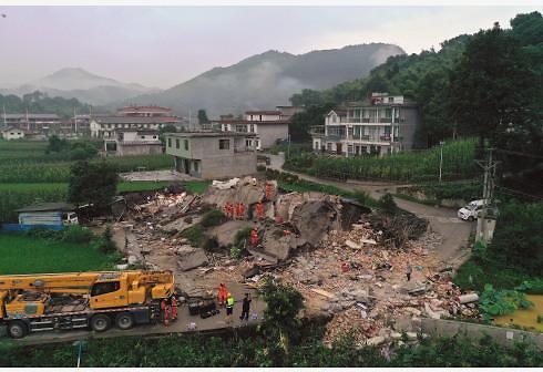 중국 쓰촨성 지진 사망자 12명으로 증가…부상자 135명