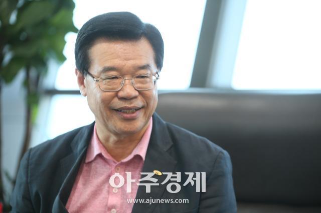 """[아주초대석] 성장현 용산구청장 """"구청장 10년 비결? 밥값하려고 했을 뿐"""""""