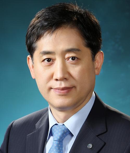 김주현 새 여신협회장 카드사·정부 갈등 풀어낼까