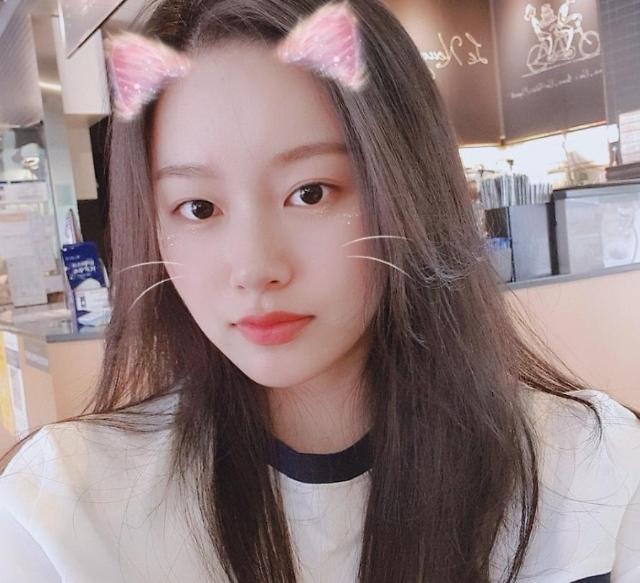 김민석과 열애설 박유나, 블랙핑크 제니와 닮은꼴? 고양이상 미모에 팬들 심쿵