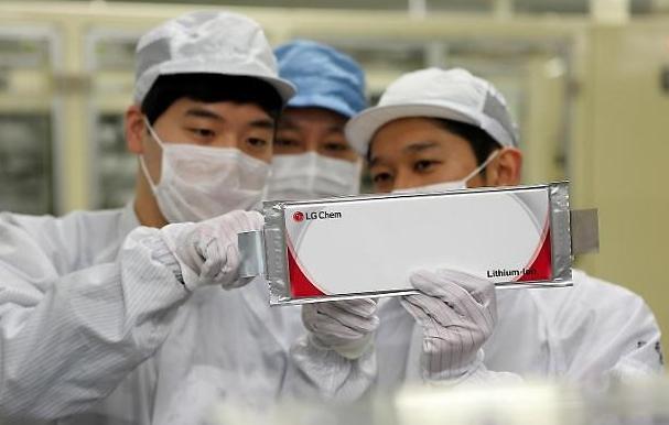 LG chem-SK Innovation tăng tốc mở rộng các cơ sở sản xuất pin xe điện tại Trung Quốc