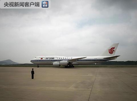 习近平抵达平壤 开始对朝鲜进行国事访问