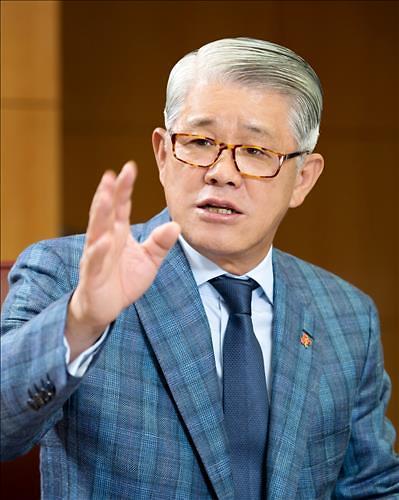 """종횡무진 최신원 SK네트웍스 회장···""""SK매직 2021년까지 꼭 상장"""""""