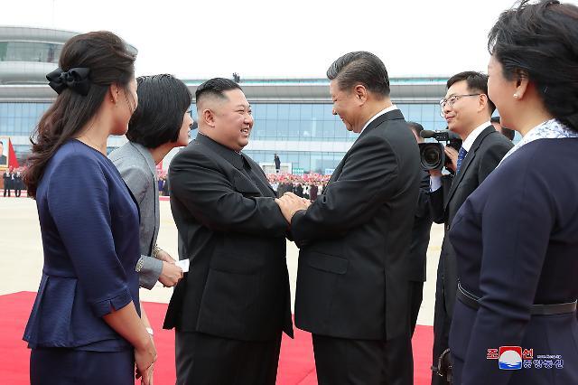 [슬라이드 화보] 시진핑 방북 첫째 날 모습은?