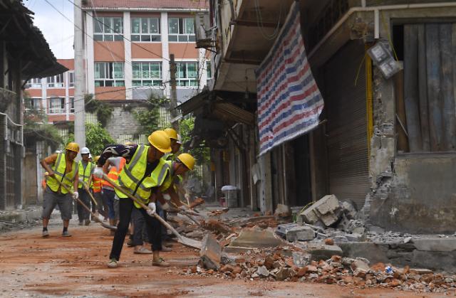 중국 쓰촨성 닷새만에 또 지진...불안감 확산