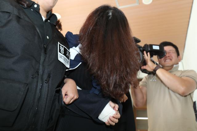 유족의 눈물…고유정 사형 국민청원 20만명 이상 동의