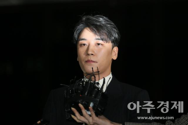 '버닝썬 횡령·성매매 알선' 승리, 오늘 기소의견 검찰 송치